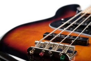 4-String-Vs-5-String-Bass
