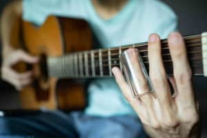 How to play the slide guitar